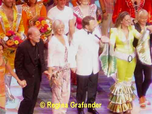 On stage during the final applause - © Regina Grafunder